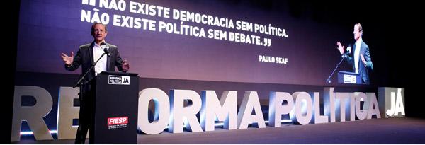 Não existe democracia sem política. Não existe política sem debate.